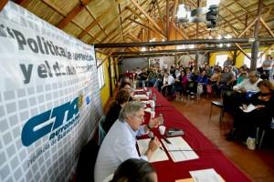 charla huelga 2015 panel y gente